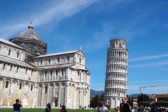 Traveling ke Kota Pisa