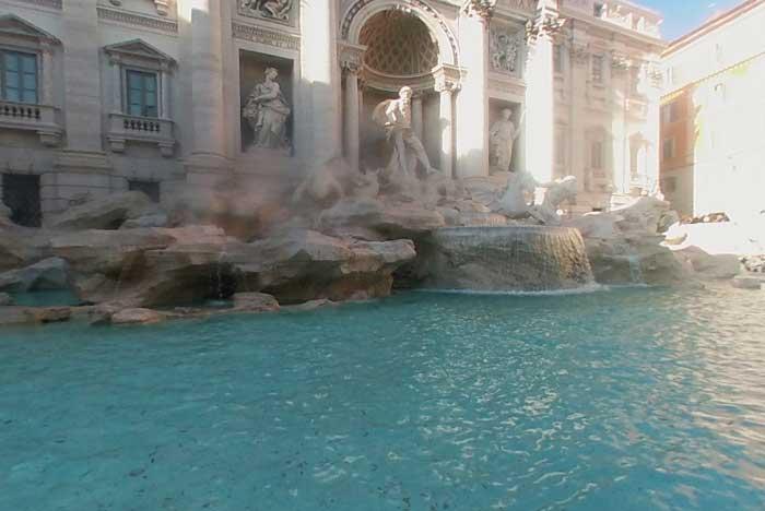 air mancur Fontana di Trevi