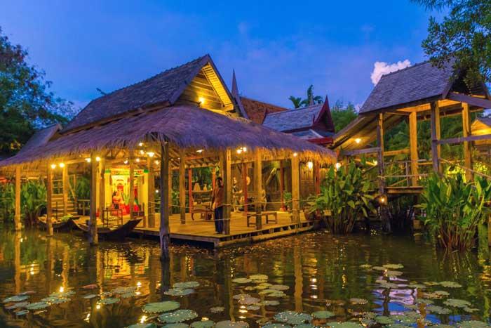 Perkampungan Thailand Siam Niramit