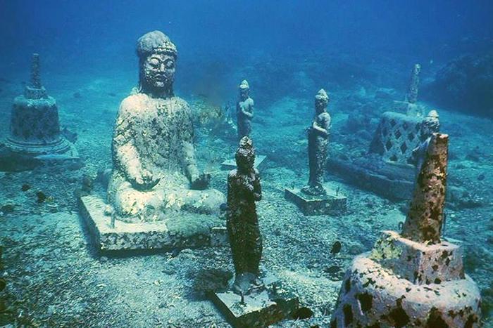 Candi Bawah Laut di Pemuteran Bali